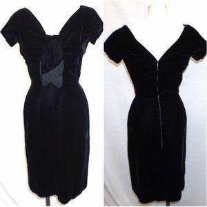 VTG 50s Black Velvet wiggle dress portrait Neck